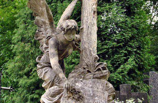 aniol-smierci-cmentarz1